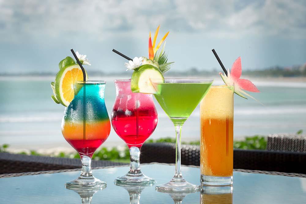 drink on beach